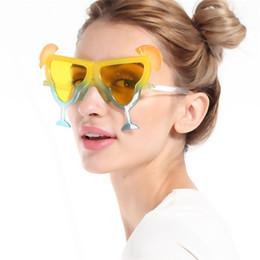 Óculos de sol de festa de design on-line-Óculos engraçados Lemon Design Bar Forma Óculos De Sol Para Bar Dancing Party Decoração Criativa Homens E Mulheres Óculos de Venda Quente 7 8sfa Z