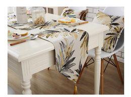 mesa de comedor paño estilo chino Rebajas Flora Leaf Polyester Hotel Restaurante Table Runner Cloth Estilo americano mesa corredores modernos