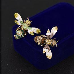 2018 de alta calidad accesorios para mujer broche de abeja abeja animal decoración traje chaqueta broche colgante de doble uso Z123 desde fabricantes