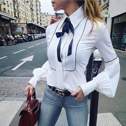 blusas jovenes Rebajas Estilo preppy joven dama pajarita blusas 2018 primavera otoño moda mujer linterna manga cuello blanco túnica camisas oficina Casual Tops