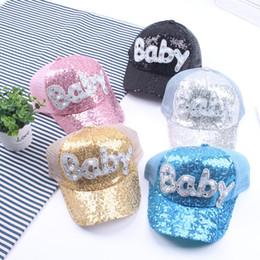 Gorros de beisbol perlas online-Los niños de malla Caps niñas gorras de béisbol del Snapback gorras de visera Snapback ajustable casquillo de los niños verano de la perla del diamante de lentejuelas sombrero de béisbol