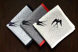 2019 desenhos de bolsos Boa Qualidade Mens Lençoes Andorinha Voando Projeto Manta de Algodão lenço de Bolso Quadrado New Hot Moda Masculina desenhos de bolsos barato