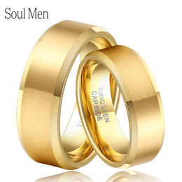 anillo de color de tungsteno Rebajas Soul Men 1 Pair Gold Color Couples Wedding Band His and Hers Tungsten Rings Set Hot Sale in Brasil Alliance Size 4-14 TU051RC Y1891206