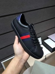 Wholesale High End Women Shoes - Luxury Brand Men women designer sneakers with high ends quality black back green and red stripe shoes with tiger bee for unisex size 34-46