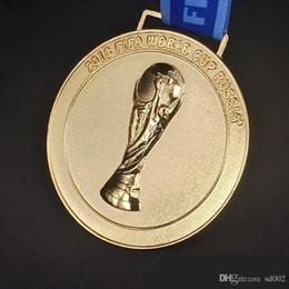 Cinta dorada de regalo online-La Copa Mundial de Fútbol de 2018 Copa de Oro Medalla de Oro Fan Souvenior Regalo Con Cinta Colecciones Alto Grado 25xl Ww