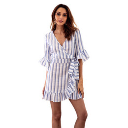 bc8422936e 2018 nuevas mujeres de rayas con cuello en v con volantes vestidos de la  camisa de moda señoras cuerno de media manga vestido asimétrico vestido  casual ...