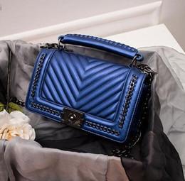 bolsas de cuero a granel Rebajas Marca de fábrica bolso auténtico clásico pequeña serie de moda mamá caliente bolso de cadena tejido a granel corrugado mujer bolso de cuero