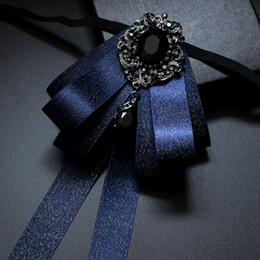 Gravata de seda azul escuro on-line-Handmade High-end Acessórios Acessórios De Vestuário Azul Escuro Vestido De Noiva De Seda Dos Homens Handmade Vestido De Casamento Coreano Bow Tie