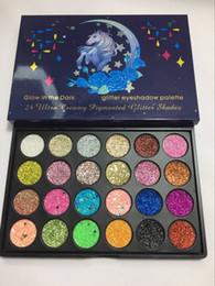 2019 magische farben lidschatten Neueste 24 Farben Make-up Glow in der dunklen magischen Pferd Glitter Lidschatten Palette Cremige Kosmetik Pigment Glitter Shades beste Qualität rabatt magische farben lidschatten