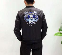 Argentina Los últimos amantes de la ropa para hombres y mujeres se ponen el abrigo de chaqueta de alta calidad con cabeza de tigre, 100% de envío gratis original Suministro