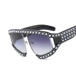 Wholesale Italian Brand Glasses - Italian Brand Designer sunglasses Luxury Big Pearl Sunglasses Women Men Oversized Sun Glasses For Female Male Clear Lens Goggle UV400