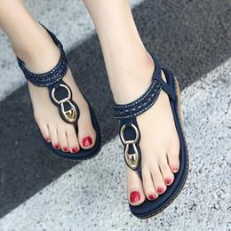 Женщины дизайнер сандалии плоские сандалии обувь женщина строка шарик флип-флоп металлические украшения пляж сандалии повседневная обувь размер 35-45 Оптовая от