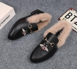 Wholesale Mens Winter Dress Shoes - 2018 Mens Brand Winter Rabbit Fur Slippers Warm Luxury Designer Fashion Genuine Leather Flat Loafers Metal Chain Male Casual Mules Shoe N221