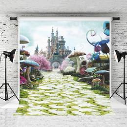 Fotografia di funghi online-5x7ft Vinile Fantasia Castello Sfondo Colorato Fungo Cielo Photography Sfondo per Bambini Compleanno Servizio Fotografico Studio Fondali Prop