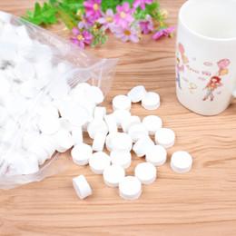 Komprimierte wischtücher online-Mehrzweck 500Pcs / pack komprimiertes Tuch biologisch abbaubare kampierende Abwischen Toilettenpapier-Tabletten wiederverwendbar für Spielraum-Ausgangsschönheit und im Freien
