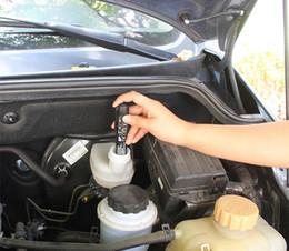 japanische taschenlampe Rabatt Bremsflüssigkeit Tester 5 LED Auto-Detektor-Fahrzeug-Automobil-Diagnose-Test-Tools für DOT3 / DOT4 Auto-Zubehör für BMW VW Ford