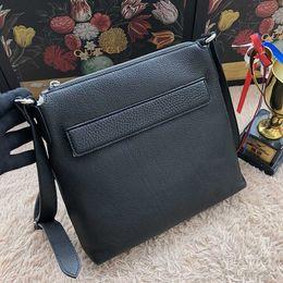 nuevo diseñador famoso Cuero de becerro graneado BOLSILLO Hombre de negocios bolsas de alta calidad dos bolso cremallera para hombre 322059 desde fabricantes