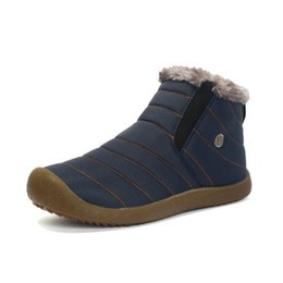 Schneeregen stiefel online-Männer Winter Schnee Schuhe Leichte Stiefeletten Warme Wasserdichte Botas Mens Regen Stiefel 2016 Neue Pelzigen Booties Schuhe Für Männer C # 002