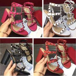 Talons Hauts Pour Femmes 2018 Marque De Luxe En Cuir Lady Stud Sandales Talons Des Femmes Sexy Talons De Mode Rivet Chaussures 8 Couleurs ? partir de fabricateur