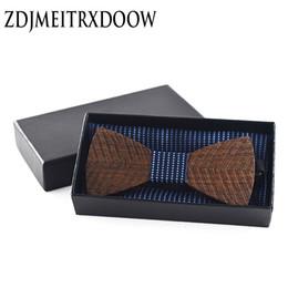 Pañuelo para hombre al por mayor online-corbata de lazo al por mayor conjunto pajaritas para hombres cuadrado de bolsillo Mariage pañería de moda pañuelo de mariquita conjunto de pañuelo