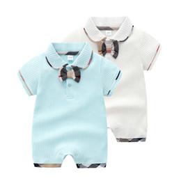 Revers Bowknot Kinder Baby Kurzarm Overalls aus reiner Baumwolle Sommer Dünne Stil Neugeborenen Creeping Anzug Joker Kinder Kleidungsstück von Fabrikanten