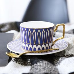 Parte superior da xícara de café on-line-Europa Noble Bone China Xícara De Café Pires Colher Set 400 ml de Luxo Caneca de Cerâmica Top-grade de Porcelana xícara de Chá de Café Partido Drinkware