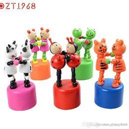 giocattoli all'ingrosso all'ingrosso del giocattolo Sconti All'ingrosso DZT6 Best seller divertente Bambini Intelligence Toy Dancing Stand colorato a dondolo giraffa giocattolo di legno Jirafa juguete de madera S15