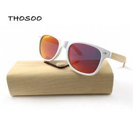 2019 espejo enmarcado de bambú THOSOO Gafas de sol de madera de bambú ecofriendly Unique con marcos de plástico blanco y lente polarizada espejo rojo Thosoo espejo enmarcado de bambú baratos