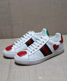 Wholesale Flat Shoes Branded - NEW Personality Luxury Brands designer shoes with top quality genuine leather men women casual sneakers green red stripe bee pineapple pearl
