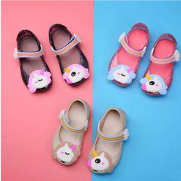 61b8f1c4cb511 Licorne Filles Sandales Mini Melissa Gelée Chaussures de Bande Dessinée  D été Chaussures Anti-dérapant Princesse Plage Gelée Chaussures Poisson  Bouche ...