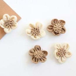 2019 rústico navidad Arpillera de 5 pétalos flor de yute falso flor rústica vintage para la decoración del banquete de boda de navidad envío gratis ZA6456 rebajas rústico navidad