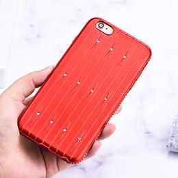2019 einzigartiges telefongehäuse design Einzigartiger Entwurf der beweglichen multi Farben der Gepäckkastenformtelefonkastenrhinestone-Fallabdeckung für iPhone X 8 8P 7 7P 6 6P Freies Verschiffen günstig einzigartiges telefongehäuse design