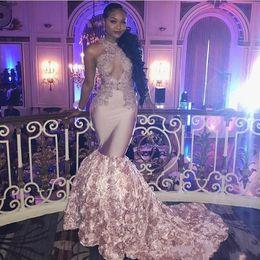 Vestido aberto busto sexy on-line-Dusty Rosa Africano Sexy Prom Dresses Longo Busto Aberto flores Long Train apliques de renda Sereia Vestido de Noite Meninas Negras Vestidos de Festa Formal