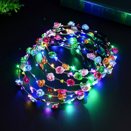Capelli lisci online-LED lampeggiante Stringhe Hairband Glow Flower Crown Fasce Light Party Rave Floral Hair Ghirlanda luminosa decorativa Corona GGA1276