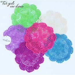 Tecido de malha crocheted on-line-24pcs frete grátis / lot 20 centímetros Rodada Cotton Crochet Lace Doilies feltro Item como inovadora para Dinning Table Pad Coasters Mat