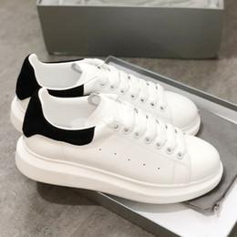 2019 zapatos al por mayor de los deportes de los instructores zapatos al por mayor para los deportes Diseñador zapatilla de deporte Comfort Pretty Womens Mens trainers Zapatos de plataforma de cuero blanco 100% real 20 colores con caja zapatos al por mayor de los deportes de los instructores baratos