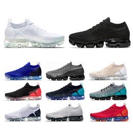 nike air vapormax 2.0 Designer oreo 2.0 Uomo Donna Scarpe da corsa Triple  nero Bianco Vasto Grigio Metallico oro Hot Punch Sneaker Trainer Sport  Jogging ... a6d7fb20d4d
