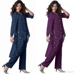 Elegantes chaquetas formales online-Elegante tamaño más 3 piezas Madre de los pantalones de novia Trajes de lentejuelas Mangas largas Vestidos de madre de gasa con chaqueta Vestido formal