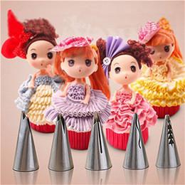 2019 décoration barbie Conception de gâteau de mariage de haute qualité Barbie robe de jupe en acier inoxydable Conseils crème gâteau décoration russe buse de tuyauterie promotion décoration barbie