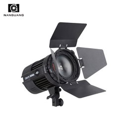 wholesale 100W LED Studio Light CN-P100WA Fresnel Spotlight for Photography Video Studio+Barndoor de Fornecedores de fresnel conduzido