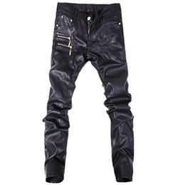 Pantalones de cuero de los nuevos hombres de la moda pantalones casuales de los pantalones vaqueros rectos de la motocicleta flaca tamaño 28-36 A103 desde fabricantes