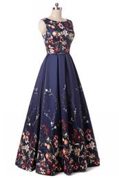 Echt Bilder Vintage Frauen Rundhals Ärmellos A-Linie Satin Floral Abendkleider Lange Vestido De Festa Schwarz Abendkleider Abendkleider von Fabrikanten