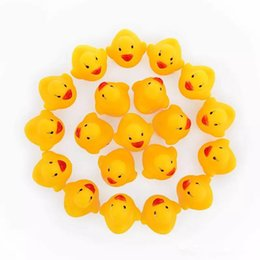 Wholesale swiming baby - 2018 Baby Bath Water Duck Toy Sounds Mini Yellow Rubber Ducks Kids Bath Small Duck Toy Children Swiming Beach Gifts OTH872