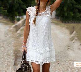 En 2017, la nouvelle robe élégante et confortable sans manches en dentelle blanche de haute qualité et élégante avec tissu ? partir de fabricateur
