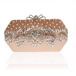 Argentina Diseñador de moda de lujo de las mujeres con cuentas bolsos de noche de la boda nupcial de cristal de oro de diamantes cadena de embrague banquete supplier golden luxury evening bag Suministro