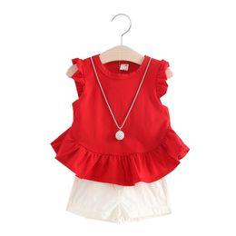 Дети без рукавов белые футболки онлайн-Девушки мода одежда устанавливает лето новорожденных девочек одежда Детская одежда устанавливает рукавов футболки + белые шорты 2 шт. костюмы