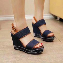 Wholesale wedge heel open toe shoes - 2018 Summer Women Wedge Sandals Sexy Peep Toe Platform Sandals High Heel Outdoor Shoes Luxury Designer Buckle Strap Gladiator Sandals 34-40