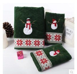 Wholesale christmas compressed towel - 3Pcs lot Christmas snowman embroidery 100% cotton hand towel face green bath towel kids soft hand terry winter gift