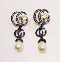 schwarze perle ohrringe china Rabatt Neue Farbe Diamant Kristall Perle schwarz G Buchstaben Ohrringe weibliche neue Persönlichkeit lange Ohrringe Ohrringe
