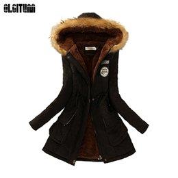 vestes militaires féminines Promotion Femmes d'hiver manteau 2018 Parka Casual Outwear Militaire à capuche en fourrure Manteau Femmes Vestes Manteau d'hiver pour Femme CC001 Y1891801